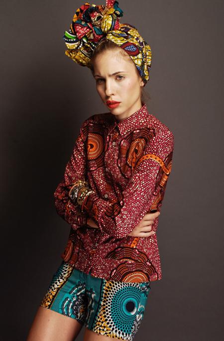 Stella Jean Spring Summer 2012 hoofddoek, shorts en blouse met afrikaanse print