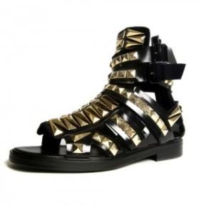 Givenchy Lente Zomer 2010 zwarte gladiator sandaal met studs mannencollectie