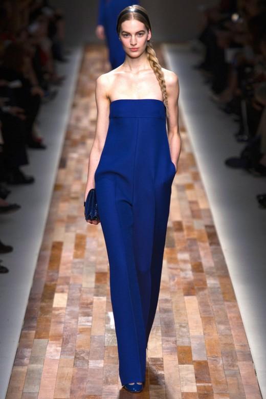 Valentino Fall 2013 blauwe jumpsuit strapless