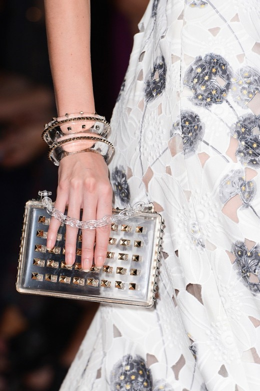 Valentino Spring/Summer 2013 transparante clutch en armbanden met studs close-up