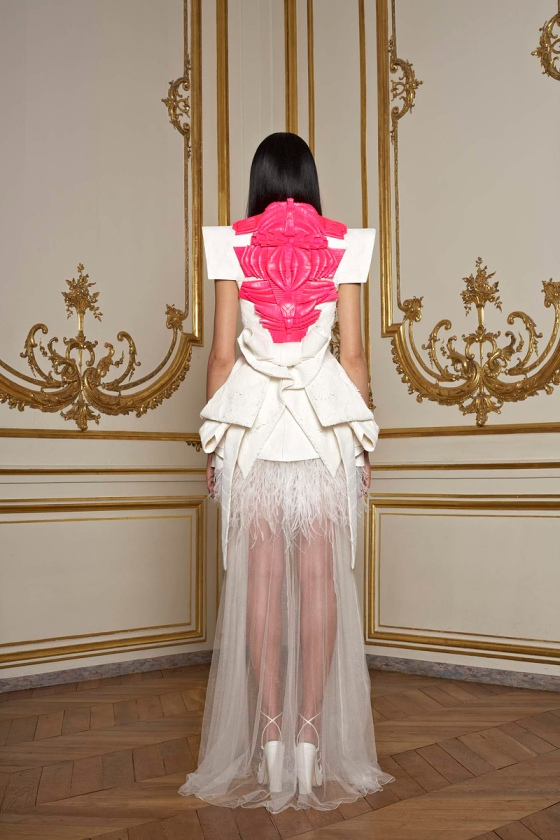 Givenchy Couture Spring Summer 2011 neon leren detail